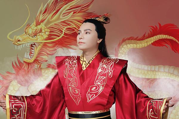 Bậc thầy phun xăm Vũ Hùng hóa thân vào nhân vật cổ trang