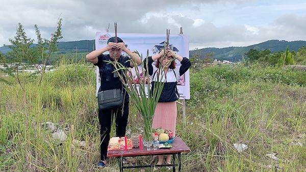 Vợ chồng Kiều Linh - Mai Sơn khởi công villa triệu đô