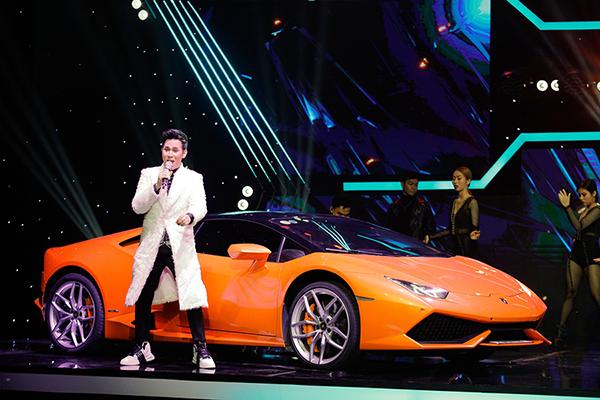 Mang siêu xe lên sân khấu, Nguyên Vũ gây ấn tượng khi tham gia đấu trường âm nhạc