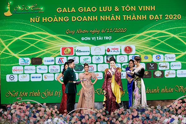 Nữ hoàng Doanh nhân Thành đạt 2020 gọi tên Huỳnh Thị Thu Giang