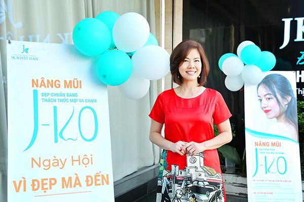 Viện thẩm mỹ JK Nhật Hàn mời Hồ Lệ Thu dự lễ ra mắt công nghệ độc quyền nâng mũi J–KO
