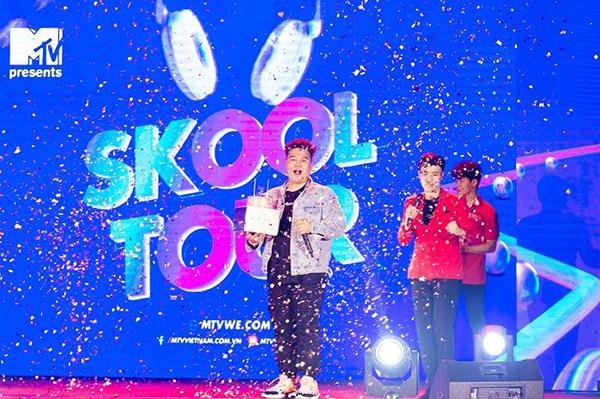 Yuno Bigboi đón sinh nhật đầy bất ngờ tại chương trình MTV Skool Tour