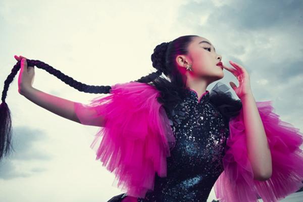 Suri Phương Anh mới lạ trong bộ ảnh thời trang