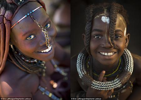 """Cách làm đẹp """"có một không hai"""" của thổ dân Châu Phi"""