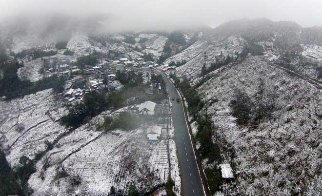 Toàn cảnh tuyết phủ trắng Sa Pa