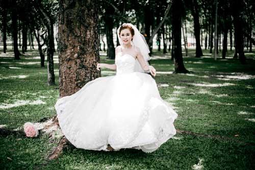Thanh Trang lộng lẫy với xu hướng váy cưới mới của Áo cưới Tommy Nguyễn