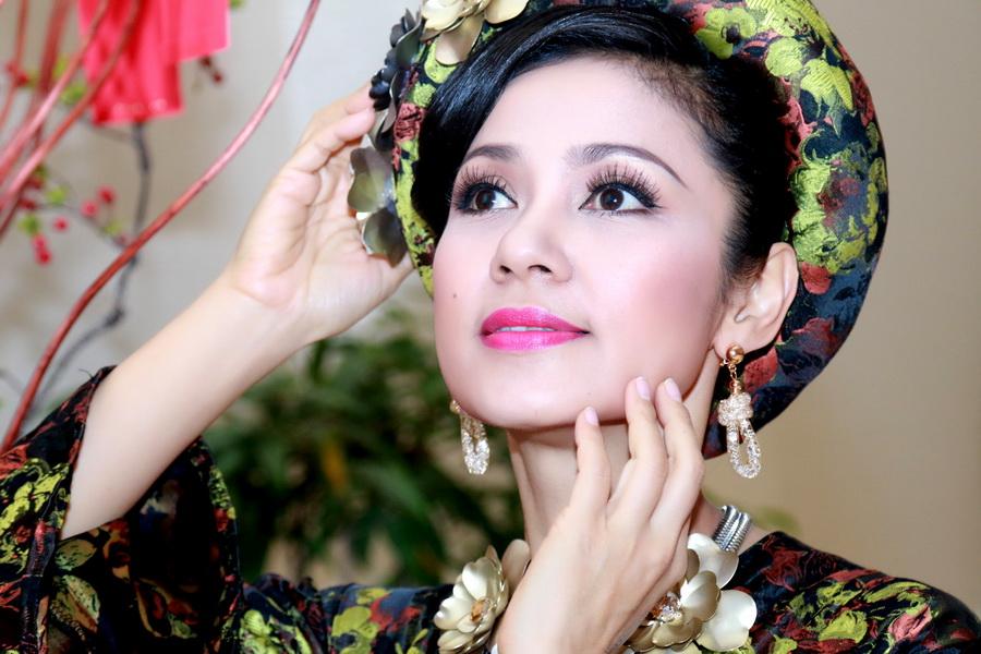 """Nhan sắc """"vượt thời gian"""" của diễn viên Việt Trinh"""