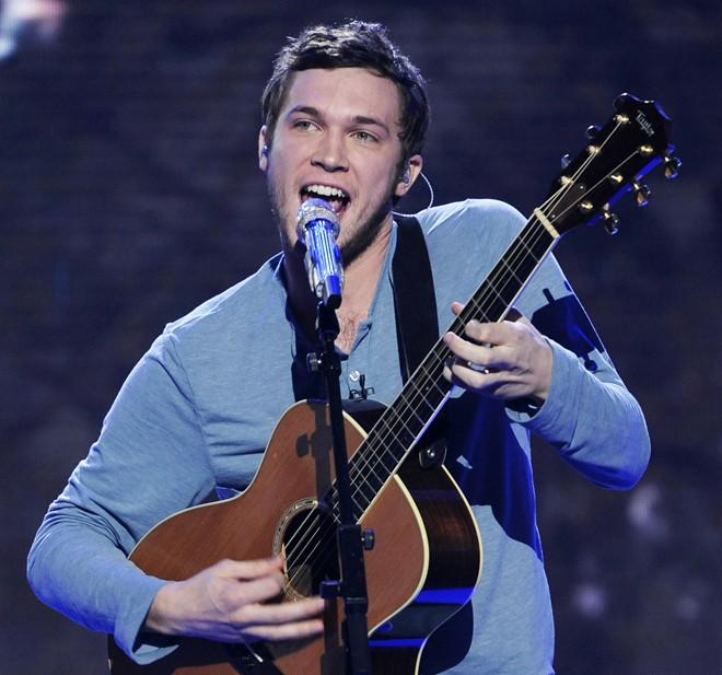Quán quân American Idol 2012 muốn cắt đứt hợp đồng thu âm