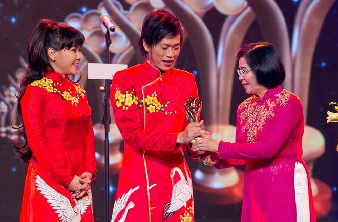 Hoài Linh, Thiện Nhân lập cú đúp tại giải Mai Vàng
