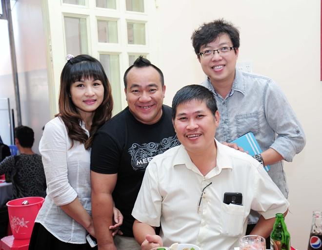 Phước Sang dự ngày giỗ nghệ sĩ Kim Ngọc