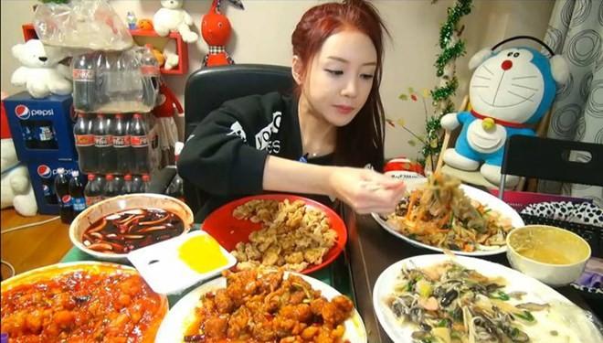 Hốt bạc, thành sao nhờ... ăn uống trước máy ghi hình