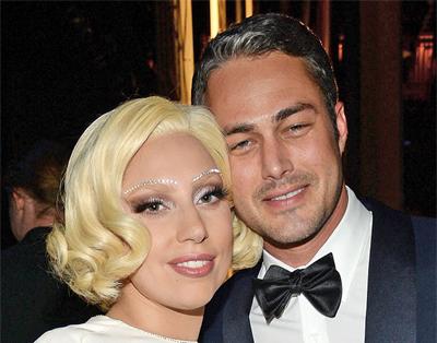 Lady Gaga đính hôn với bạn trai