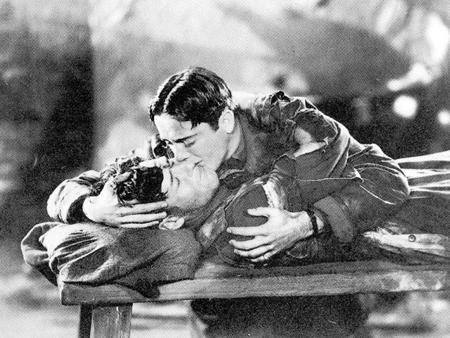 Bộ phim đầu tiên đoạt giải Oscar