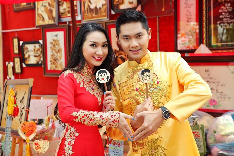 Cặp đôi Minh Luân - Cao Mỹ Kim áo dài du xuân
