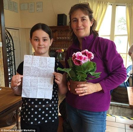 Bức thư rơi nước mắt của bé gái gửi bố đã mất