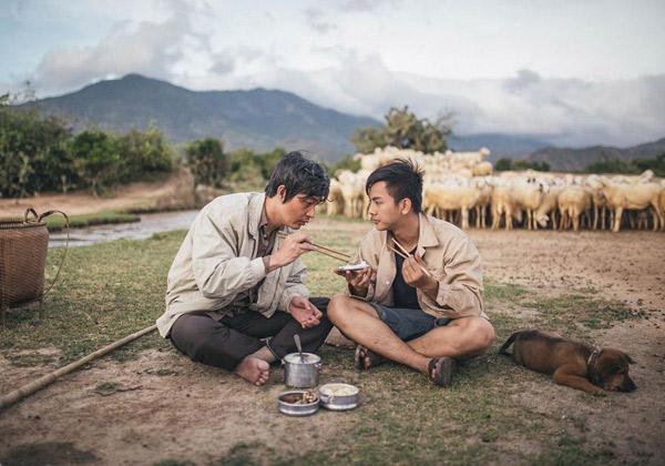 Những bước chuyển mang tới thành công đột phá cho sao Việt