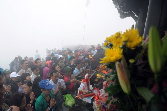Khai hội Yên Tử trong mưa và gió lạnh