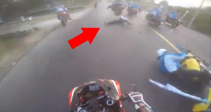 Nhóm môtô 'phượt' vượt đoàn đua, gây tai nạn chết người