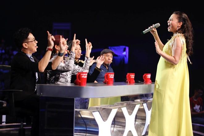 Thu Minh làm giám khảo Vietnam Idol 2015