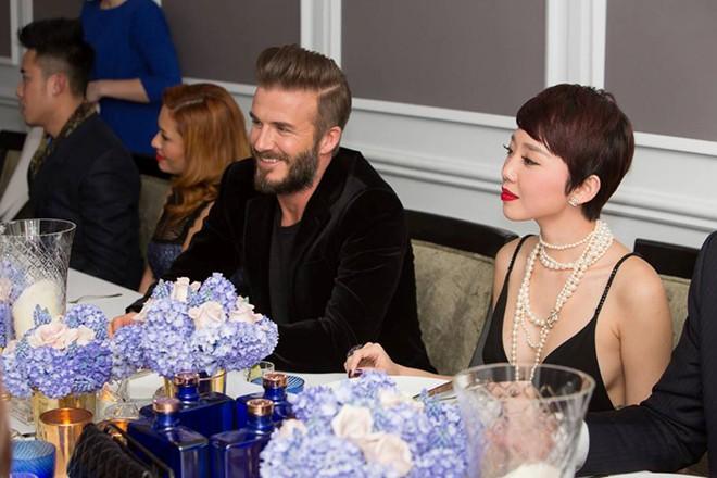 Không gian tiệc xa hoa David Beckham đãi Tóc Tiên, Hà Hồ