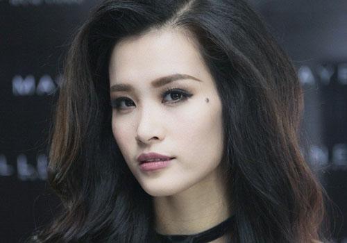 Những lý do khiến ca sĩ Việt gây chú ý trên báo ngoại