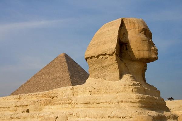 Ai Cập điều tra vụ quay phim khiêu dâm trong kim tự tháp