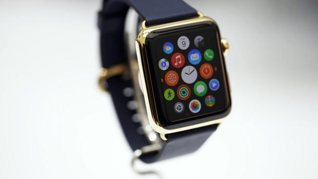"""Apple Watch gây thất vọng với giá bán """"khủng"""""""