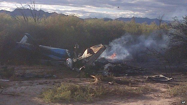 Hai trực thăng lao vào nhau khi quay phim, 10 người chết