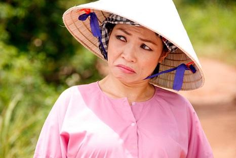 """Ca sĩ Phương Thanh """"quậy tưng"""" ở phim trường"""