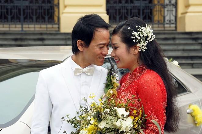 Con gái bên Thanh Thanh Hiền trong lễ rước dâu