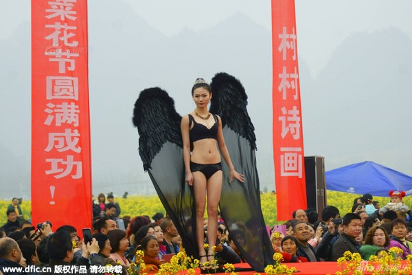 "Trung Quốc lại ""đạo"" Victoria's Secret Fashion Show"