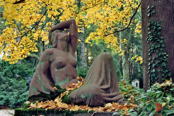 Thăm nghĩa địa ám ảnh nhất thế giới