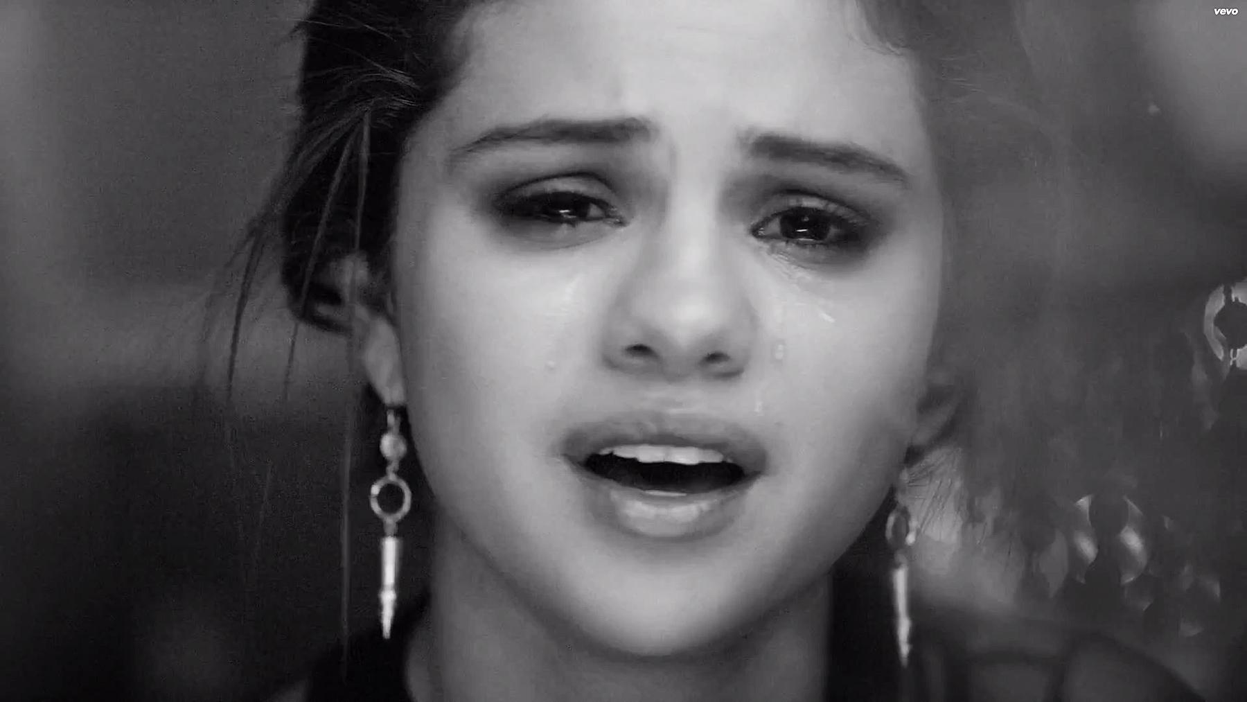 Selena Gomez chỉ hát nhạc buồn trong album mới