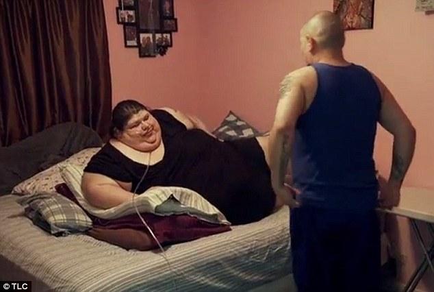 Cuộc sống khổ sở của người phụ nữ nặng hơn 270kg