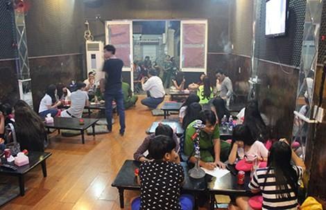 Phạt hai quán cà phê bán shisha cho học sinh