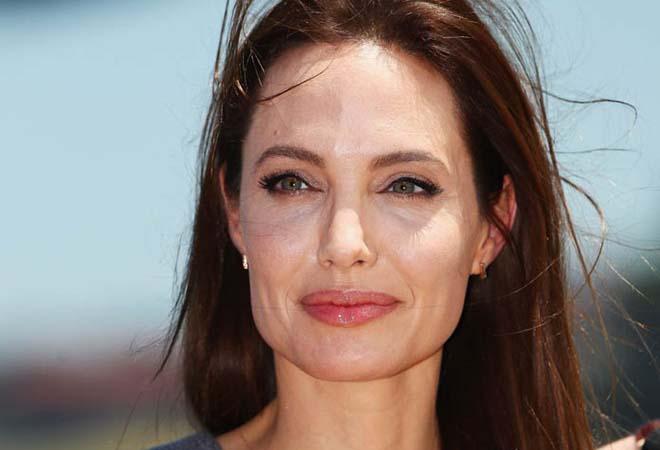 Angelina Jolie chia sẻ nhật ký phẫu thuật