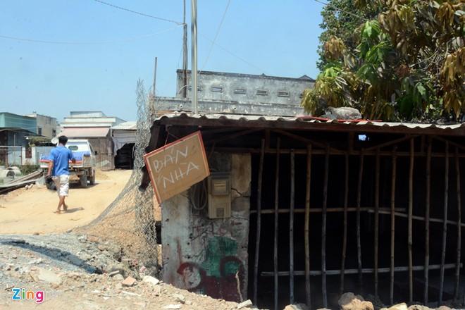 Bán nhà, dời cửa hàng vì nhà biến thành hầm