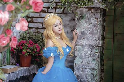"""""""Công chúa"""" cosplay Việt đẹp lộng lẫy với hình ảnh nàng Lọ Lem"""
