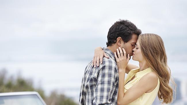 Ngôi làng Ấn Độ cấm du khách hôn nhau