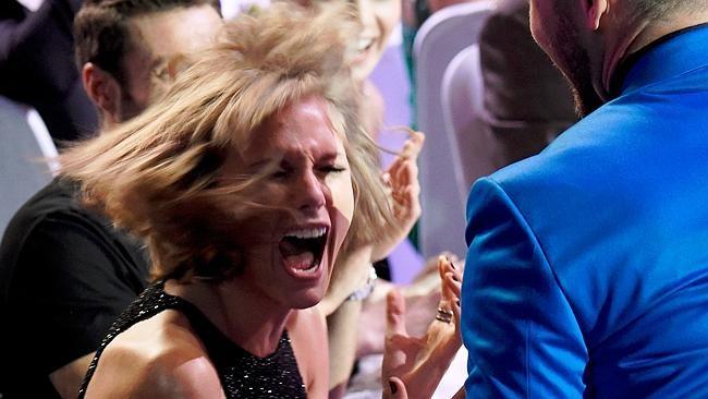 Taylor Swift thắng lớn tại giải thưởng âm nhạc iHeartRadio
