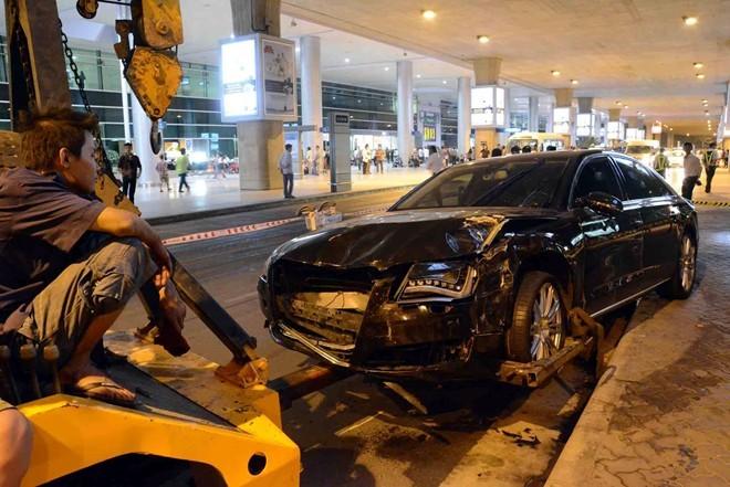 Khởi tố lái xe của Hồ Ngọc Hà đâm hàng loạt người ở sân bay