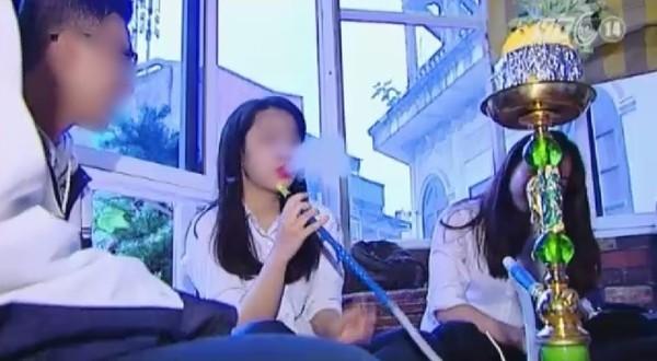 """Nhà trường và phóng viên phản hồi về clip """"Khi áo trắng học sinh chìm trong khói shisha"""" gây xôn xao"""