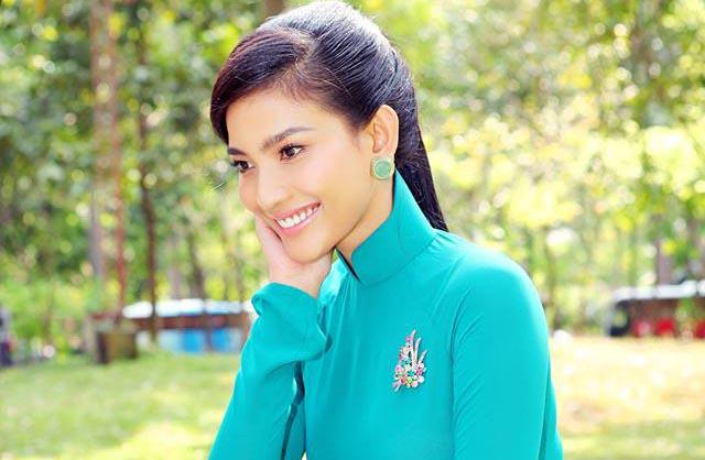 Nữ Hoàng đơn sắc Trương Thị May nổi bật trong không gian xanh