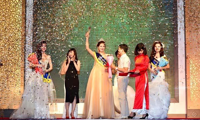 Hoàng Hạnh đoạt vương miện Hoa khôi Thời trang Việt Nam 2015
