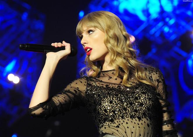 Taylor Swift dẫn đầu đề cử giải thưởng âm nhạc Billboard