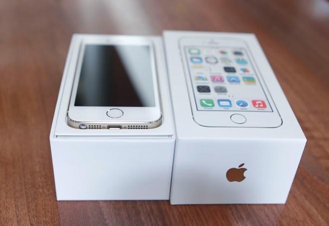 iPhone 5S cũ tràn về khiến hàng mới ế ẩm