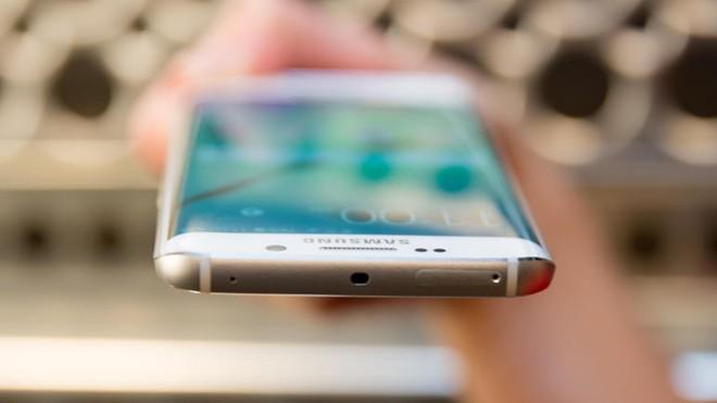 5 smartphone dáng độc, tính năng lạ nhất hiện nay