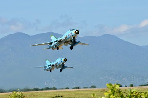 Chiến đấu cơ Su-22 rơi gần đảo Phú Quý, 2 phi công mất tích