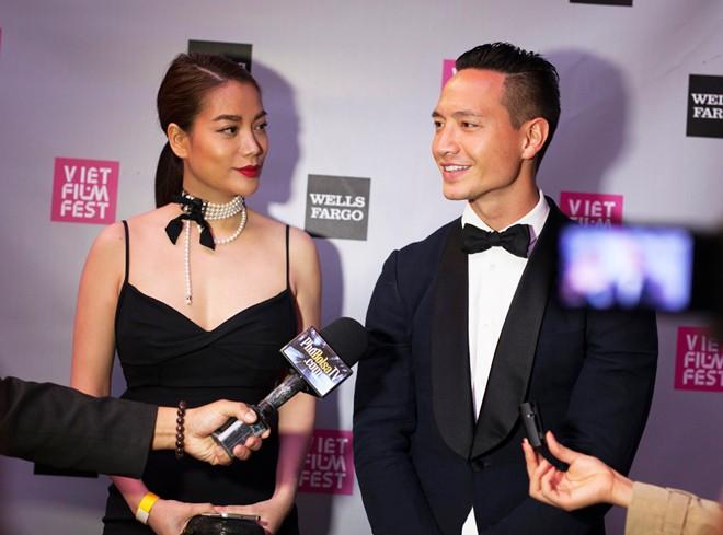 Trương Ngọc Ánh tình tứ cùng Kim Lý trên thảm đỏ ở Mỹ