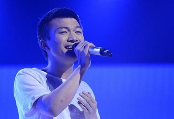 Clip chàng trai hát 'giọng mái' hay hơn cả con gái gây sốt